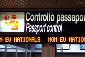 Limitazioni al diritto di ingresso e di soggiorno dei familiari stranieri di cittadini italiani.