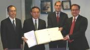 Il Giappone firma la Convenzione dell'Aja del 1980 sugli aspetti civili della sottrazione internazionale dei minori.